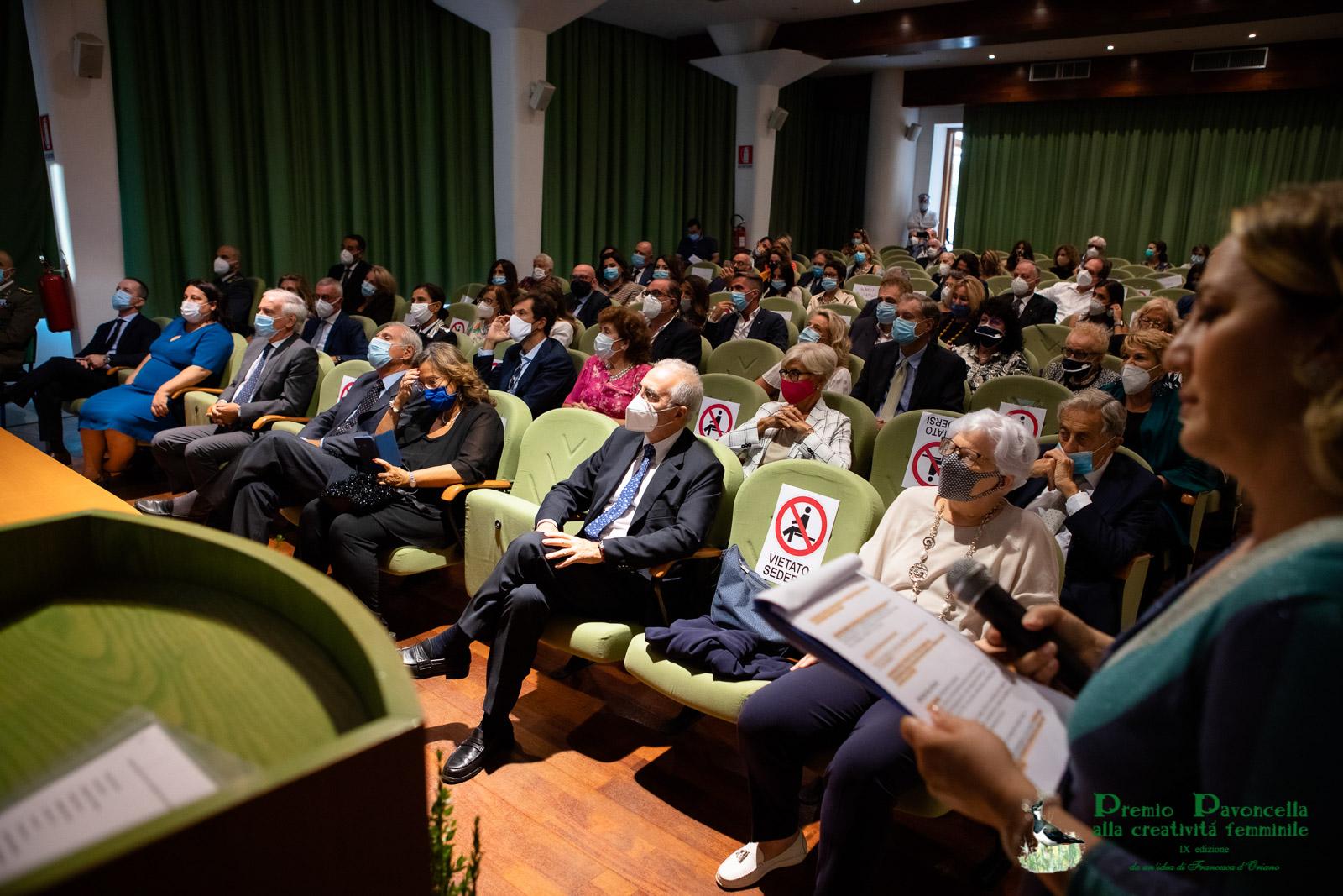 """Uno scorcio dell'Auditorium del Parco Nazionale del Circeo che ha ospitato la IX edizione del Premio """"Pavoncella alla creatività femminile"""""""