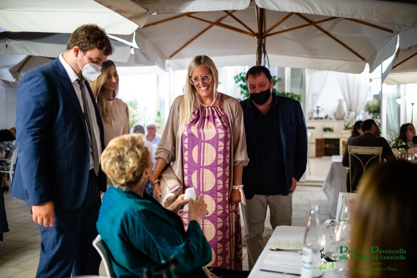 Francesca d'Oriano con Gaia Gentile, responsabile sezione letteraria del Pavoncella