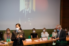 Il ten. Col. Sandra Di Domenico premiata dal Prefetto di Latina, Maurizio Falco