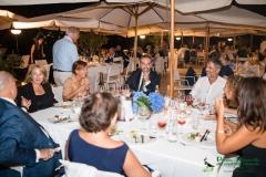 Il prof. Michele Guarino con un gruppo di ospiti ed amici della Pavoncella al San Francesco